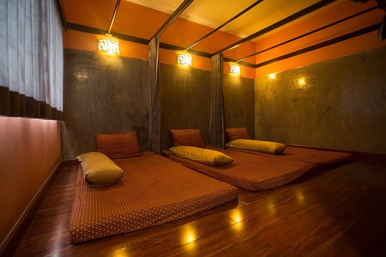 Getting Foot and Calf Therapy from Your Massage Center